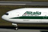 ALITALIA BOEING 777 200 GRU RF IMG_4807.jpg