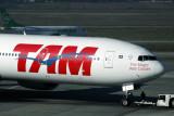 TAM BOEING 777 300 GRU RF IMG_5016.jpg