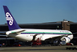 AIR NEW ZEALAND BOEING 767 300 MEL RF 999 11.jpg