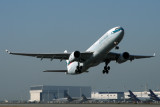 CATHAY PACIFIC AIRBUS A330 300 KIX RF IMG_5495.jpg