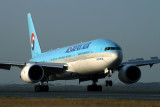 KOREAN AIR BOEING 777 200 SYD RF IMG_6467.jpg