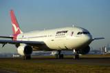 QANTAS AIRBUS A300 SYD RF 938 7.jpg