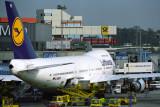 LUFTHANSA BOEING 747 200 FRA RF 443 16.jpg