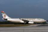 ETIHAD AIRBUS A330 200 BNE RF IMG_0113.jpg