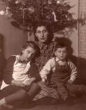 Nena, Ela + Mladen Vukusa cc 1948