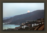 The Harvest Moon Of 2010 Paused In PaliBu At Set Before Disappearing