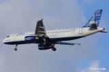 Airbus A320-232 N588JB (cn 2201) 037.jpg