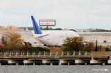 Boeing 747-4H6(LCF) N718BA 003.jpg