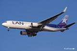 Boeing 767-375-ER CC-CRG (cn 25865-430)  051.jpg