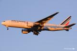 Boeing 777-228-ER F-GSPX (cn 32698-392)  094.jpg