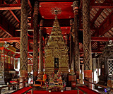 Altar in Wihan Luang (the large prayer hall)