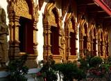 Wat Punon, exterior