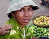600fruithawkerkampongcham53.jpg