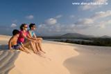 Casal na praia do Cumbuco, Caucaia, Ceara 8380.jpg