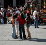 Talks in Azoguejo square