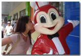 04 June 2005 - Rose kisses Jollibee