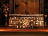 23 Nave Altar 87007112.jpg