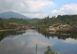 Lake, Mae Aw