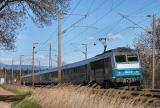 A short Téoz train from Nice to Bordeaux with the BB26163 at Le Luc-Le Cannet, between St-Raphaël and Toulon.