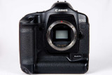 Canon EOS 1D Mark II N Digital Automatic Focus SLR