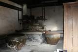 Another kitchen...hey..I like kitchens..OK?!