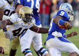 Yellow Jackets LB Julian Burnett sacks Blue Raiders QB Dwight Dasher
