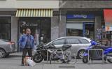 a short fat man, a broken bicycle and Li Combi
