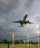 Jet Airways B-777-300 ER gliding towards LHR 27L