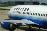 Close up of UA 737-500