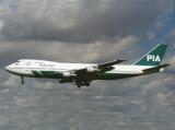 B747-200 AP-BCL