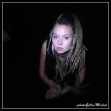 Laura in the twilight / Laura dans la pénombre