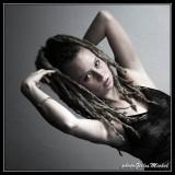 LAURA094.jpg
