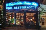 Rome sidewalk cafe.jpg