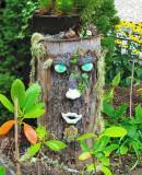 A A TREE STUMP PERSON    1387
