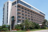Holiday Inn-Lido Beach Resort