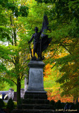 statue of generic French-Canadien patriot