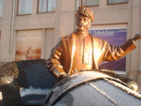Yekaterinburg Statue (2).jpg