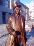 Yekaterinburg Statue.jpg