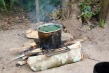 Cooking manioc (yucca) for a drink