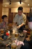 On bouffe une spécialité de Tokyo (monja)