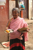 Woman with Plates of Offerings Pancha Dan 03