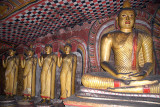 Statues and Paintings Dambulla 03