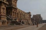 Pilgrims at Brihadeeswarar Temple 03
