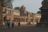 Pilgrims at Brihadeeswarar Temple 04