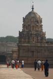Pilgrims at Brihadeeswarar Temple 05