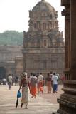 Pilgrims at Brihadeeswarar Temple 06