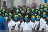 Masked parade 23499.jpg