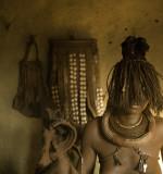 Himba en casa.jpg