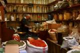 Spice seller, Souk Al Hamidiyah
