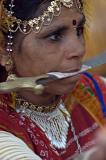She dances with knives, Surajkund Mela, Delhi